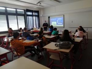 Palestras sobre o 112 e o Centro de Operações de Emergência na ES Manuel de Arriaga